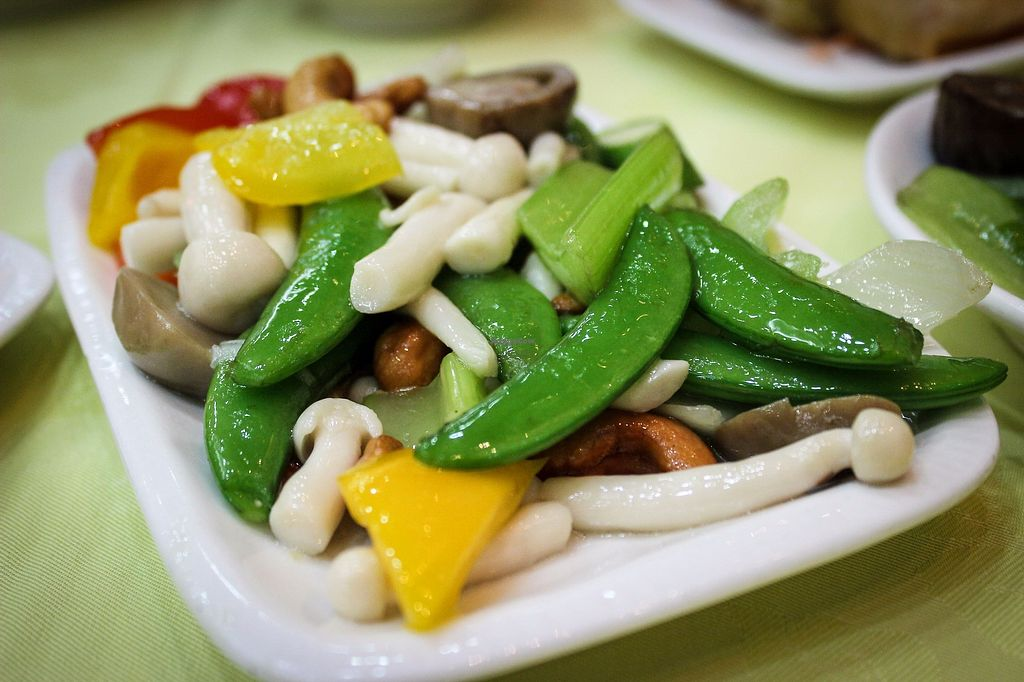 "Photo of Po Lin Monastery  by <a href=""/members/profile/SueClesh"">SueClesh</a> <br/>vegetables - part of deluxe menu <br/> October 30, 2017  - <a href='/contact/abuse/image/30/320030'>Report</a>"