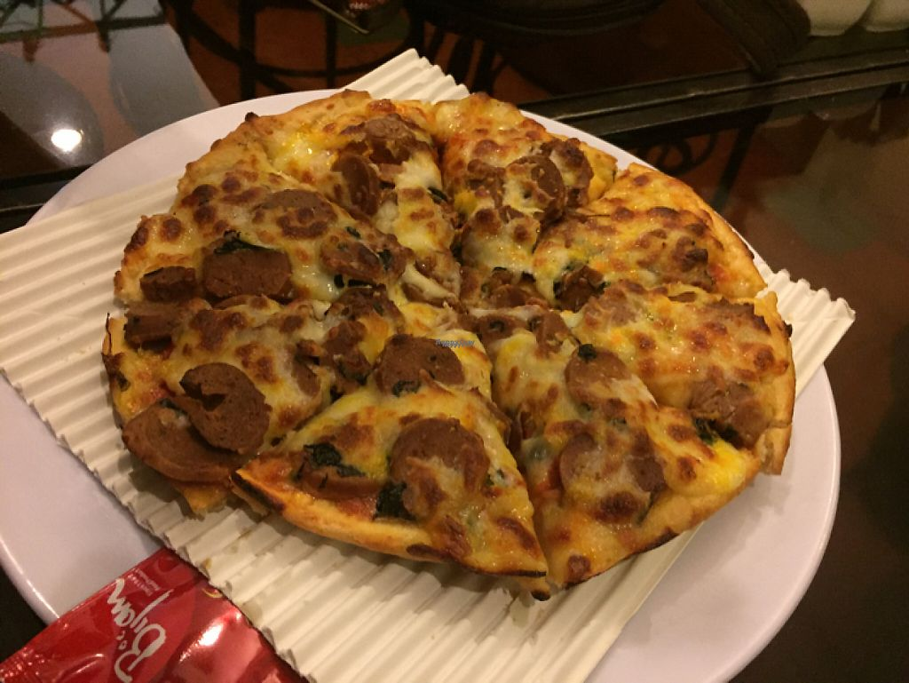 """Photo of Iranian Artist's Forum - Khaneh Honarmandan Iran  by <a href=""""/members/profile/H"""">H</a> <br/>pepperoni pizza (not good pizza) <br/> January 8, 2017  - <a href='/contact/abuse/image/69/209666'>Report</a>"""