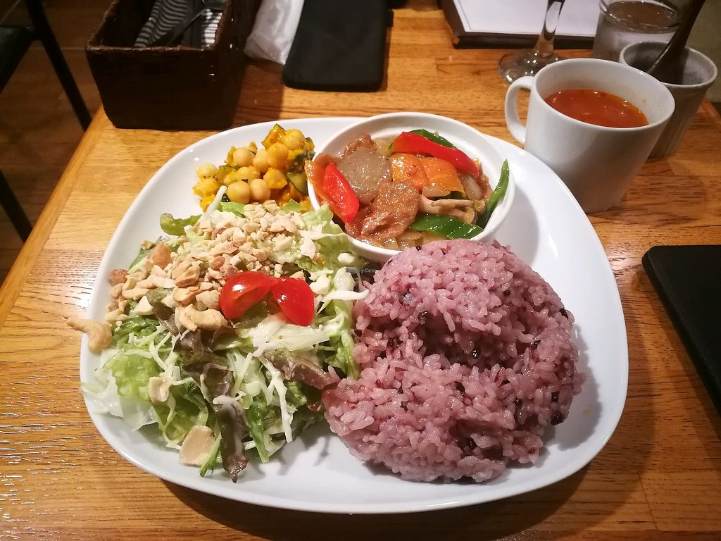 """Photo of Green Earth  by <a href=""""/members/profile/iFreeze"""">iFreeze</a> <br/>Set meal <br/> April 23, 2018  - <a href='/contact/abuse/image/85/389713'>Report</a>"""