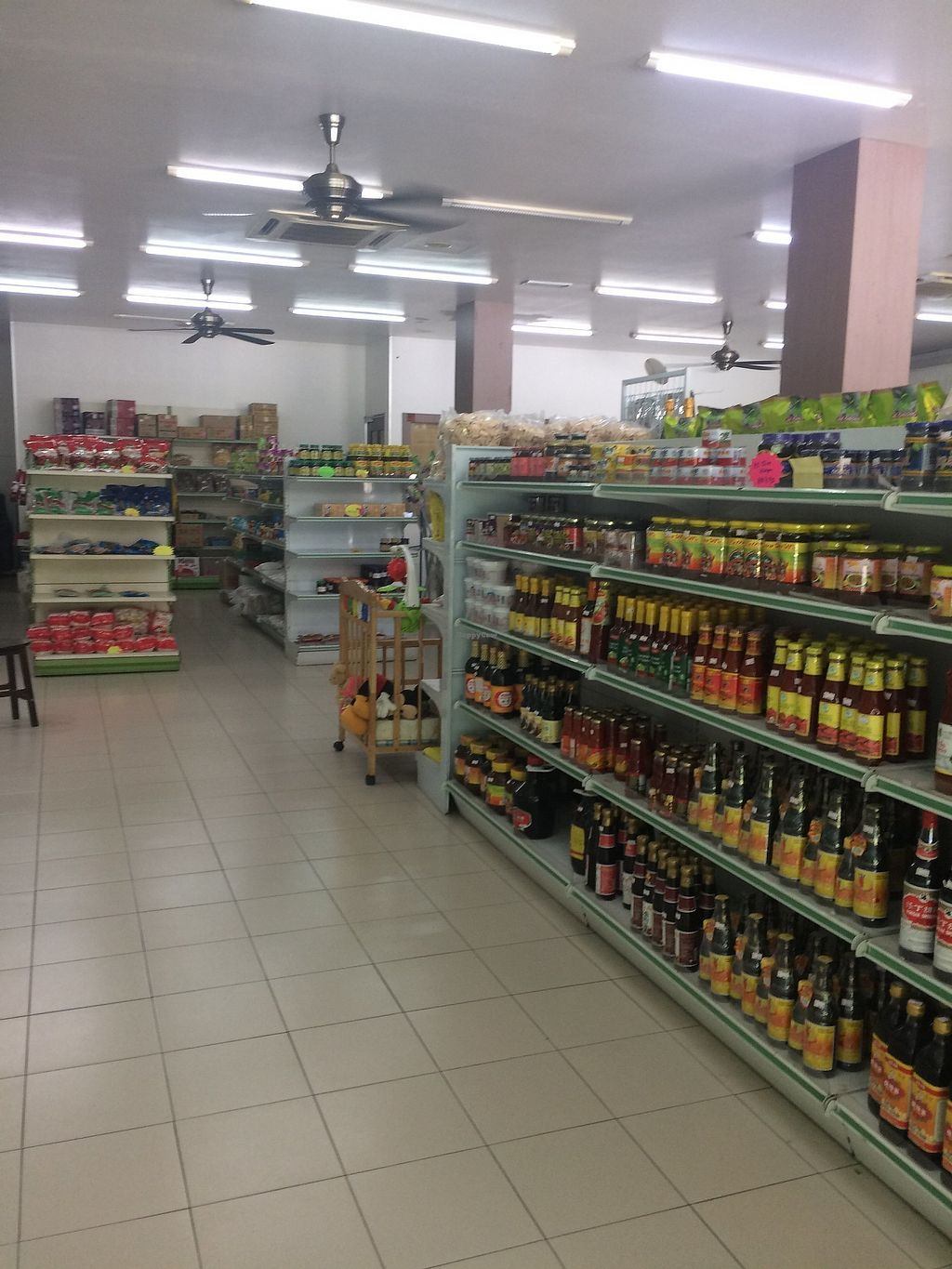 """Photo of G-Teik Vegetarian Supply  by <a href=""""/members/profile/LaurenceMontreuil"""">LaurenceMontreuil</a> <br/>alley <br/> March 10, 2018  - <a href='/contact/abuse/image/124/368729'>Report</a>"""