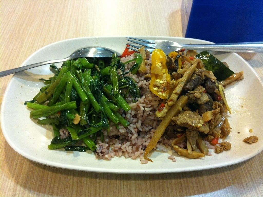 "Photo of Rabiengboon  by <a href=""/members/profile/Cyclinggal"">Cyclinggal</a> <br/>Rice and choice of 2 curries <br/> March 4, 2017  - <a href='/contact/abuse/image/341/232429'>Report</a>"