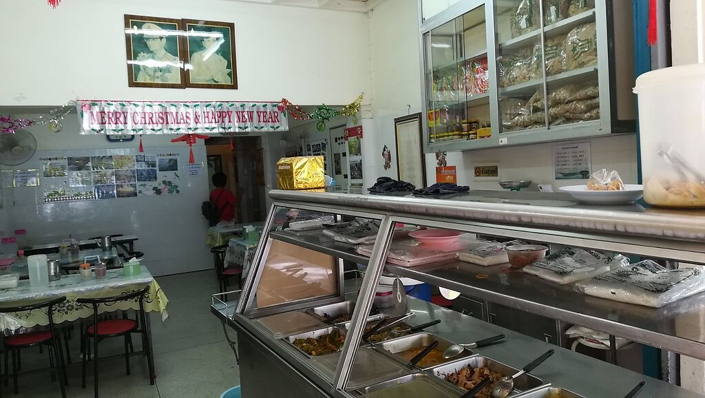 "Photo of Tian Xing  by <a href=""/members/profile/ChoyYuen"">ChoyYuen</a> <br/>Buffet counter with assorted ready made dishes <br/> March 23, 2018  - <a href='/contact/abuse/image/377/374808'>Report</a>"