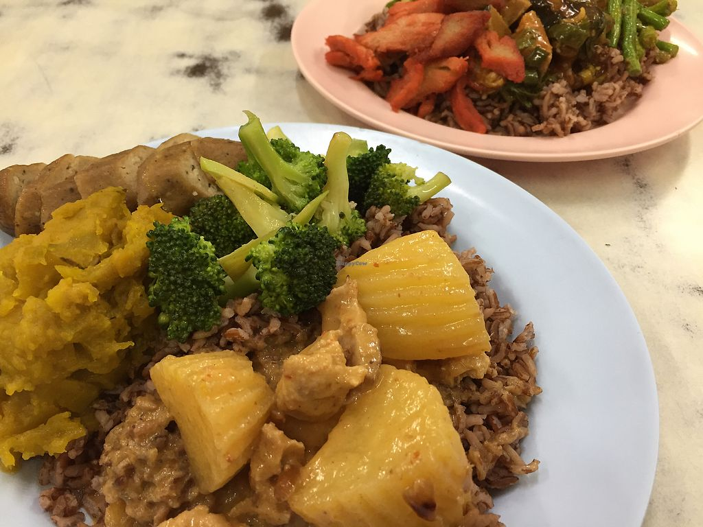 """Photo of Num Heng Vegetarian  by <a href=""""/members/profile/VeganFoodQuest"""">VeganFoodQuest</a> <br/>75 baht each for these dishes <br/> December 22, 2017  - <a href='/contact/abuse/image/378/337966'>Report</a>"""