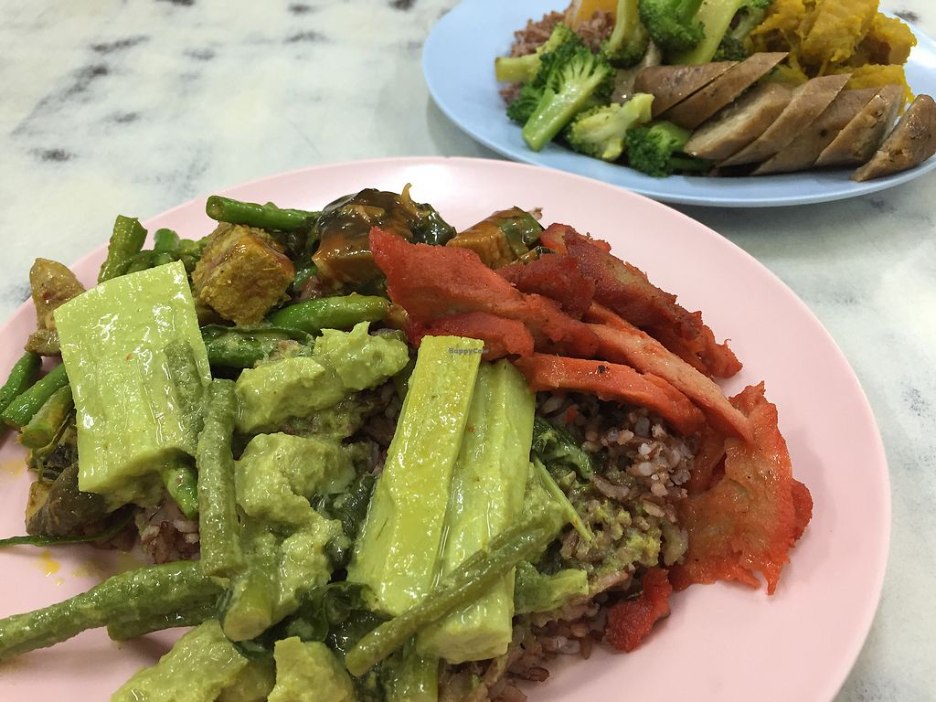 """Photo of Num Heng Vegetarian  by <a href=""""/members/profile/VeganFoodQuest"""">VeganFoodQuest</a> <br/>Brown rice is available as an option <br/> December 22, 2017  - <a href='/contact/abuse/image/378/337967'>Report</a>"""