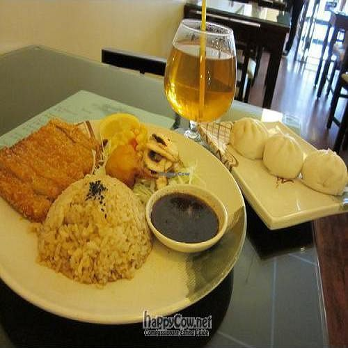 """Photo of Thea Vegetarian Tea Garden  by <a href=""""/members/profile/MaitreyaBelmore"""">MaitreyaBelmore</a> <br/>Hainanese Chicken Rice, Hot Jasmine Tea, and BBQ buns <br/> May 9, 2010  - <a href='/contact/abuse/image/455/4450'>Report</a>"""