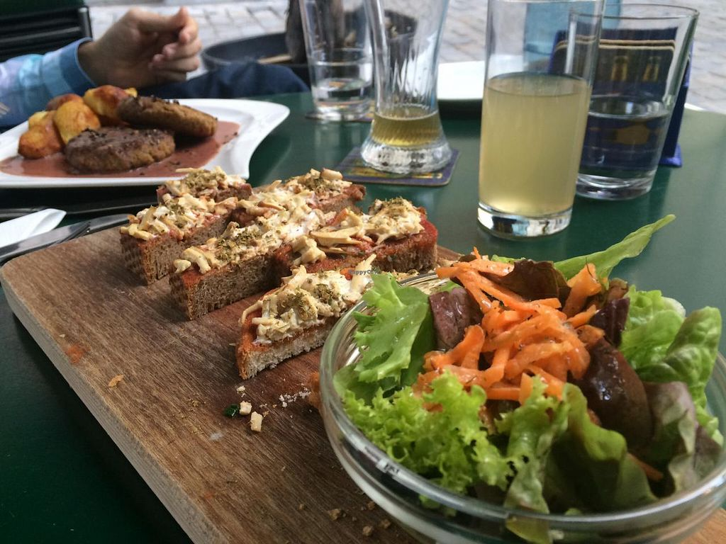 """Photo of CLOSED: Bio Bar von Antun  by <a href=""""/members/profile/VeganCookieLover"""">VeganCookieLover</a> <br/>Bruschetta with smoked tofu and green salad <br/> June 11, 2015  - <a href='/contact/abuse/image/577/105424'>Report</a>"""