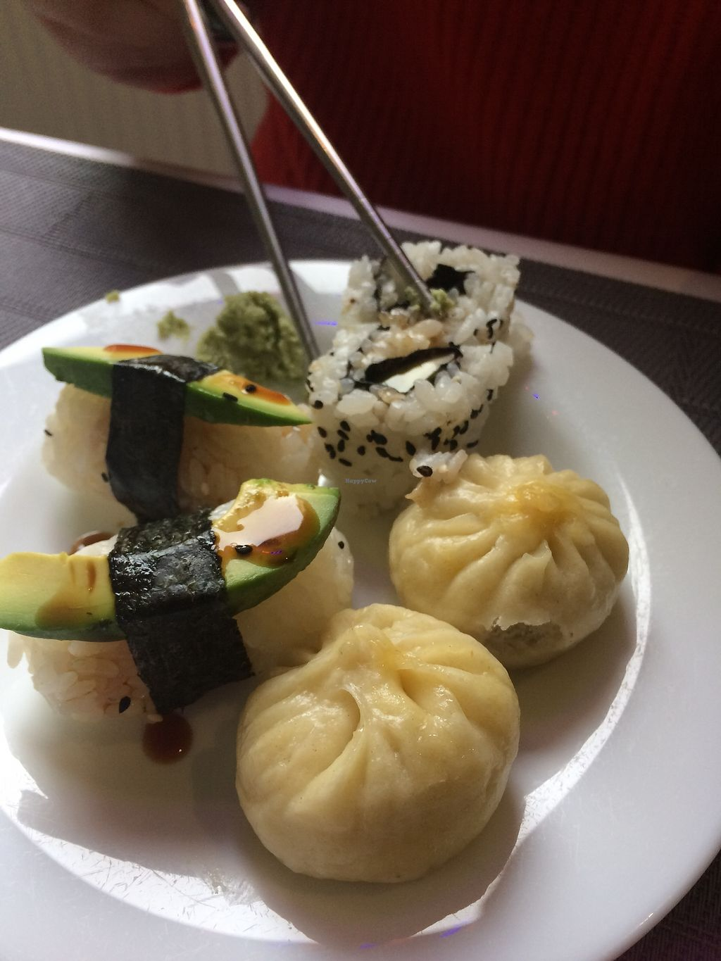 """Photo of Vegetasia  by <a href=""""/members/profile/AnetaB%C3%A1rtov%C3%A1"""">AnetaBártová</a> <br/>Great sushi and dumplings! My friend who isn't vegan really enjoyed this <br/> December 31, 2017  - <a href='/contact/abuse/image/579/341289'>Report</a>"""