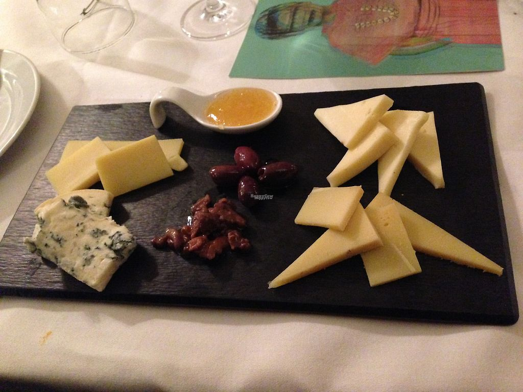 """Photo of Hollerei  by <a href=""""/members/profile/Domsy"""">Domsy</a> <br/>Cheese platter <br/> January 2, 2017  - <a href='/contact/abuse/image/584/207082'>Report</a>"""