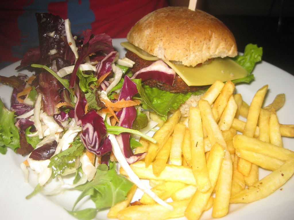 """Photo of The Warehouse Cafe  by <a href=""""/members/profile/jennyc32"""">jennyc32</a> <br/>BBQ burger <br/> July 7, 2017  - <a href='/contact/abuse/image/640/277470'>Report</a>"""