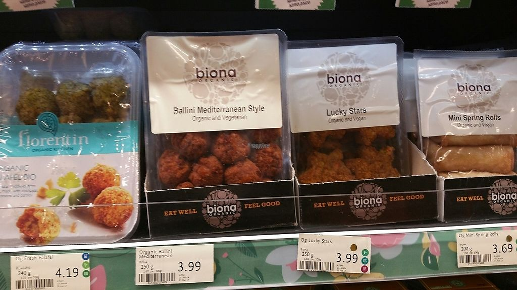 """Photo of Whole Foods Market - Clapham Junction  by <a href=""""/members/profile/jollypig"""">jollypig</a> <br/>Random food photo <br/> April 29, 2017  - <a href='/contact/abuse/image/736/253714'>Report</a>"""