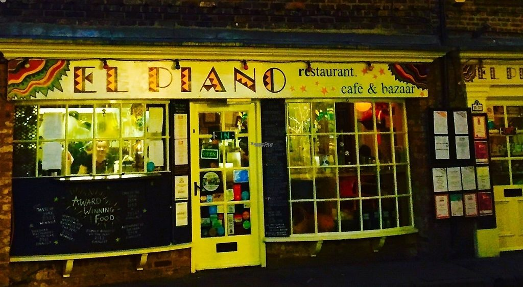 """Photo of El Piano  by <a href=""""/members/profile/ChristianVegan"""">ChristianVegan</a> <br/>A wonderful place <br/> December 5, 2016  - <a href='/contact/abuse/image/780/197667'>Report</a>"""
