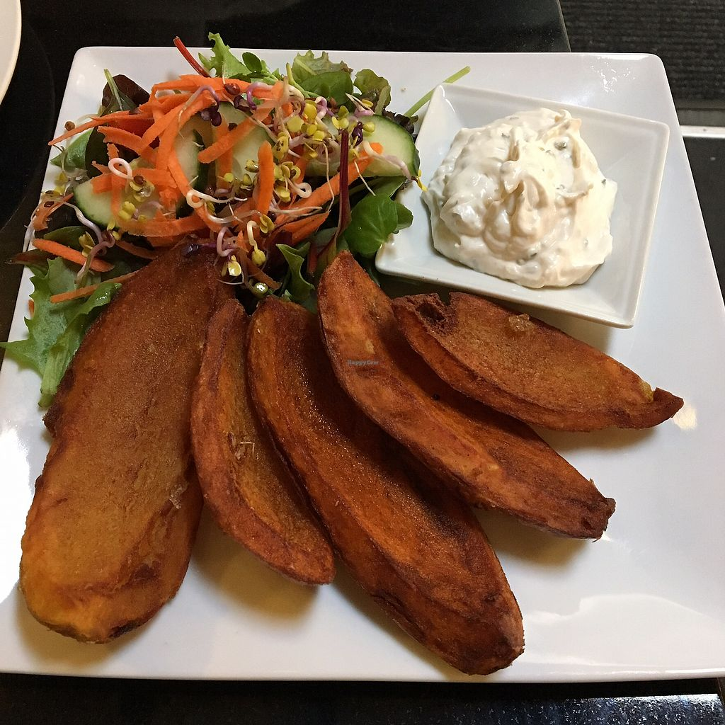 """Photo of The Whale Tail Cafe  by <a href=""""/members/profile/manchestervegan"""">manchestervegan</a> <br/>Potato skins <br/> July 27, 2017  - <a href='/contact/abuse/image/791/285454'>Report</a>"""