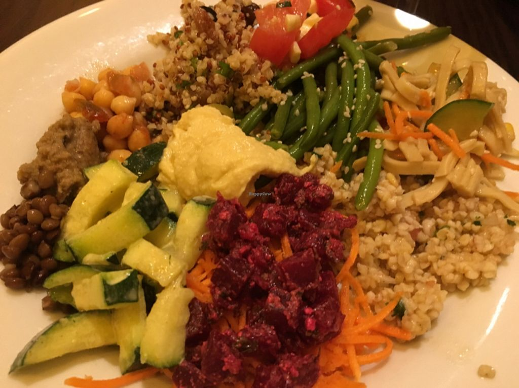"""Photo of La Faim des Haricots - Puits Vert  by <a href=""""/members/profile/Makimina"""">Makimina</a> <br/>from salad bar <br/> May 17, 2016  - <a href='/contact/abuse/image/882/149523'>Report</a>"""