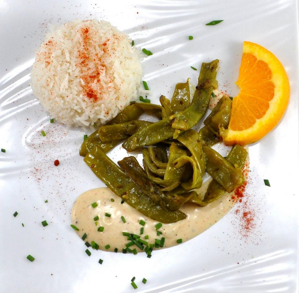 "Photo of Manger Autrement  by <a href=""/members/profile/JonJon"">JonJon</a> <br/>Flat beans with a coconut-ginger sauce <br/> May 22, 2015  - <a href='/contact/abuse/image/883/103065'>Report</a>"