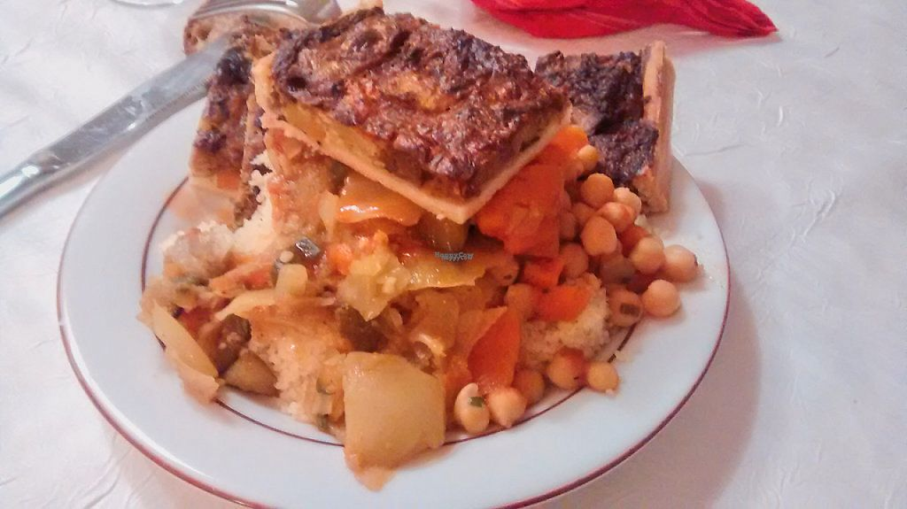 """Photo of Saveurs Bio  by <a href=""""/members/profile/JonJon"""">JonJon</a> <br/>Hot buffet (couscous and pie) <br/> November 9, 2016  - <a href='/contact/abuse/image/886/187951'>Report</a>"""