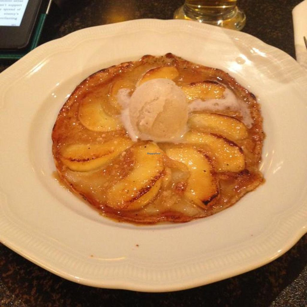 """Photo of Hiller  by <a href=""""/members/profile/AndyT"""">AndyT</a> <br/>Dessert: apple pancake <br/> April 15, 2014  - <a href='/contact/abuse/image/926/67651'>Report</a>"""
