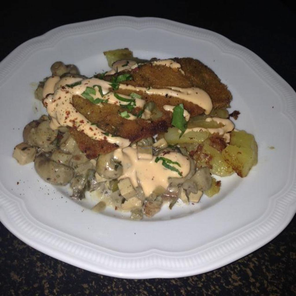 """Photo of Hiller  by <a href=""""/members/profile/AndyT"""">AndyT</a> <br/>Mushrooms with soy cream, seitan and potatos <br/> April 17, 2014  - <a href='/contact/abuse/image/926/67804'>Report</a>"""
