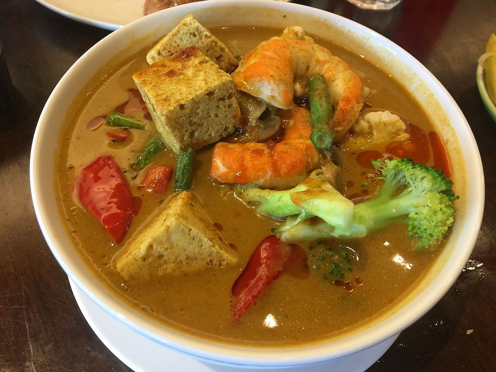 """Photo of Oh My Greens  by <a href=""""/members/profile/Tiggy"""">Tiggy</a> <br/>Laksa - $18.90 - Good but broccoli pieces too big  <br/> March 11, 2018  - <a href='/contact/abuse/image/100038/369177'>Report</a>"""