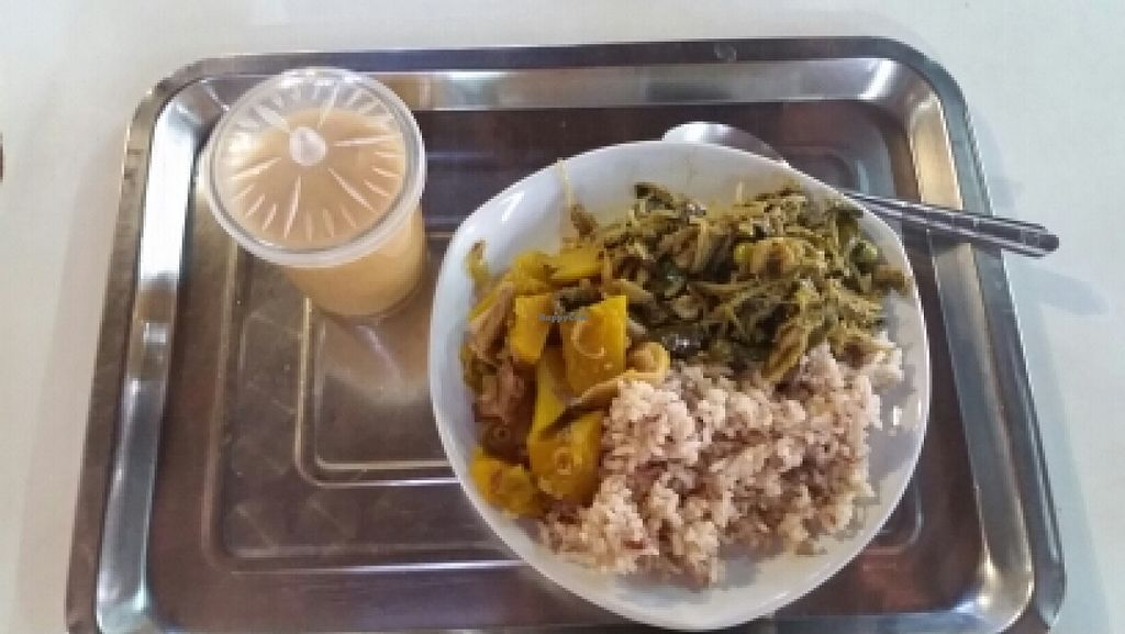 """Photo of Chiang Mai Vegetarian Society  by <a href=""""/members/profile/uschiverena"""">uschiverena</a> <br/>rice with 2 toppings and mixed juice <br/> November 23, 2015  - <a href='/contact/abuse/image/10004/125915'>Report</a>"""