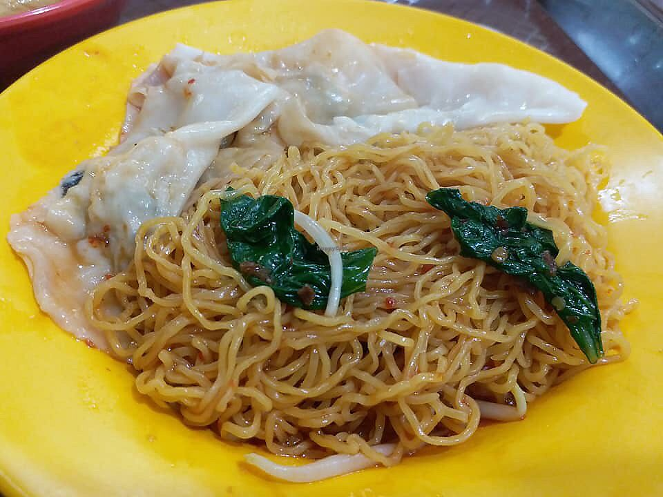 """Photo of Yi Shou Vegetarian Stall - 777 Eating House  by <a href=""""/members/profile/CherylQuincy"""">CherylQuincy</a> <br/>Dumpling noodles <br/> February 3, 2018  - <a href='/contact/abuse/image/100050/354200'>Report</a>"""