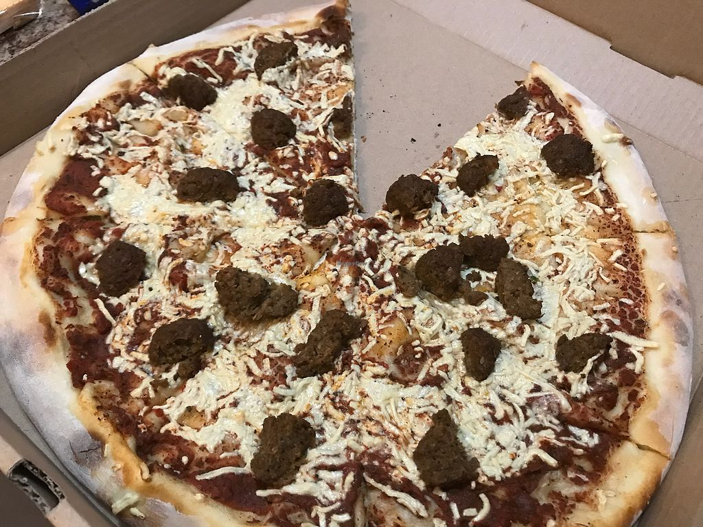 "Photo of Towne Grill & Pub  by <a href=""/members/profile/imli"">imli</a> <br/>Vegan meatball pizza <br/> November 4, 2017  - <a href='/contact/abuse/image/100066/321822'>Report</a>"