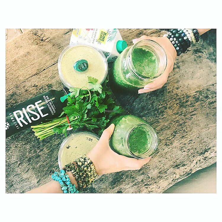 """Photo of Alter Foods in Alternative Thinking  by <a href=""""/members/profile/Alter8"""">Alter8</a> <br/>Fresh smoothies, coconut water and kombucha!  <br/> September 3, 2017  - <a href='/contact/abuse/image/100113/300286'>Report</a>"""