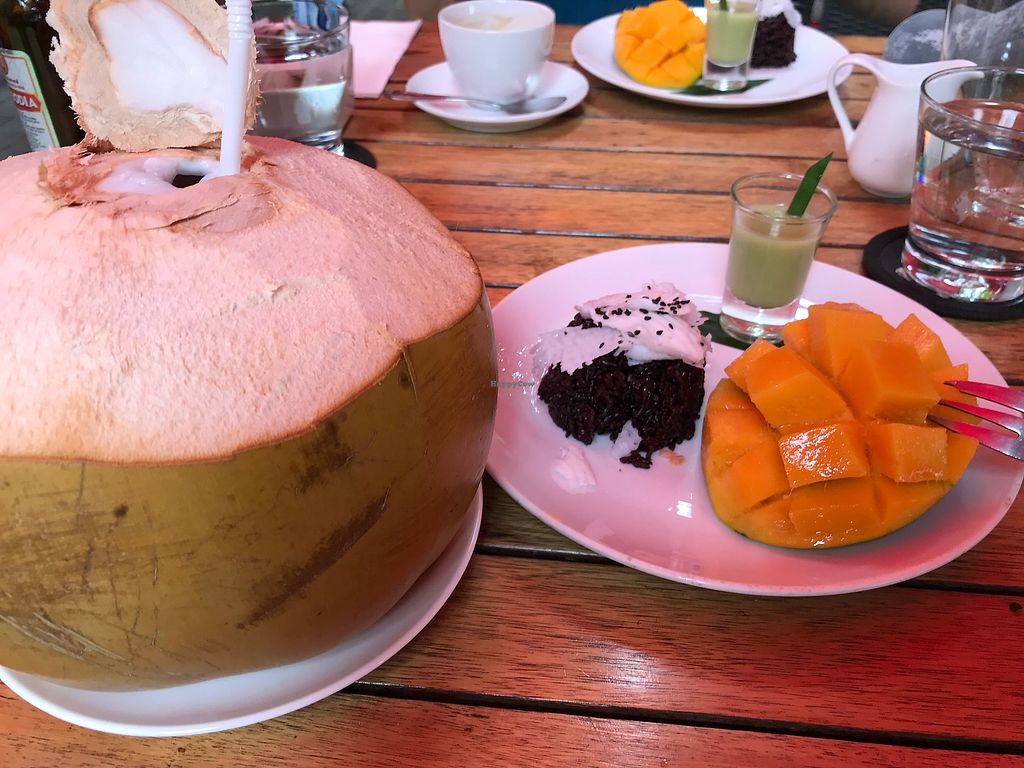 "Photo of Marum  by <a href=""/members/profile/_Leila"">_Leila</a> <br/>Sticky rice and mango dessert <br/> December 27, 2017  - <a href='/contact/abuse/image/100264/339450'>Report</a>"