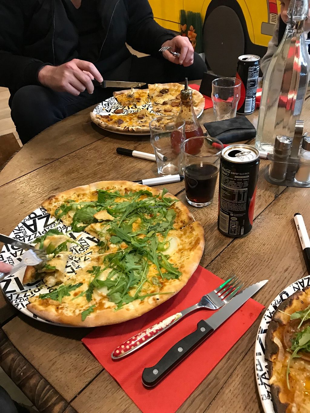 "Photo of Happiz  by <a href=""/members/profile/TARAMCDONALD"">TARAMCDONALD</a> <br/>Delicious vegan pizza <br/> January 8, 2018  - <a href='/contact/abuse/image/100374/344411'>Report</a>"