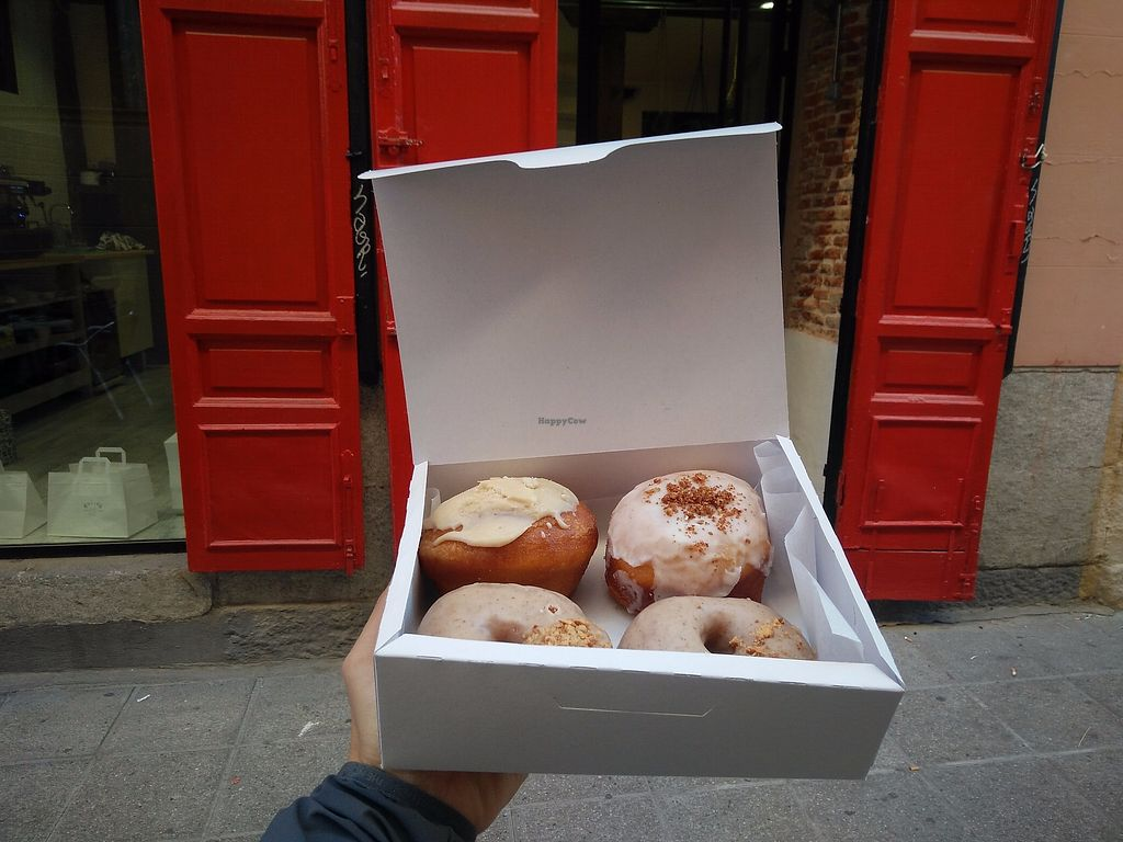 """Photo of Delish Vegan Doughnuts  by <a href=""""/members/profile/martinicontomate"""">martinicontomate</a> <br/>donuts in front of the store <br/> December 9, 2017  - <a href='/contact/abuse/image/100403/333937'>Report</a>"""