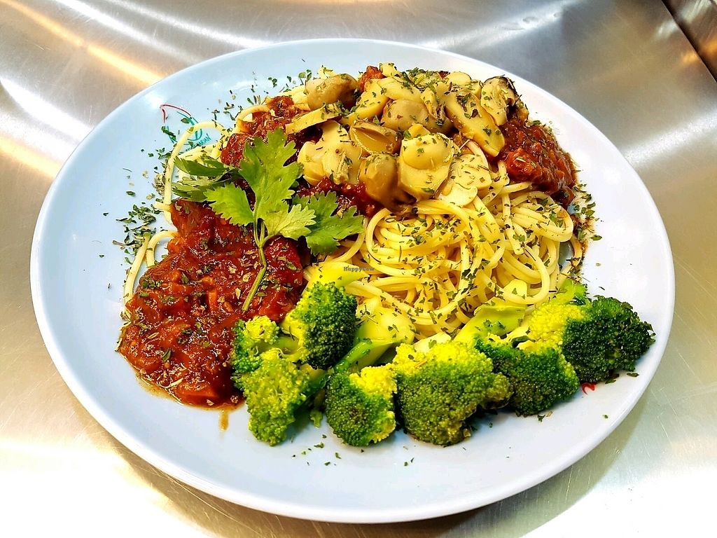 """Photo of Ren He Vegetarian Stall  by <a href=""""/members/profile/Tancheumeng"""">Tancheumeng</a> <br/>Vegetarian Mushrooms spaghetti <br/> November 18, 2017  - <a href='/contact/abuse/image/100655/326603'>Report</a>"""