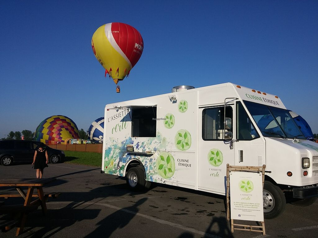 "Photo of L'Assiette Verte - Food Truck  by <a href=""/members/profile/Mary8"">Mary8</a> <br/>Le camion <br/> September 18, 2017  - <a href='/contact/abuse/image/100763/305755'>Report</a>"