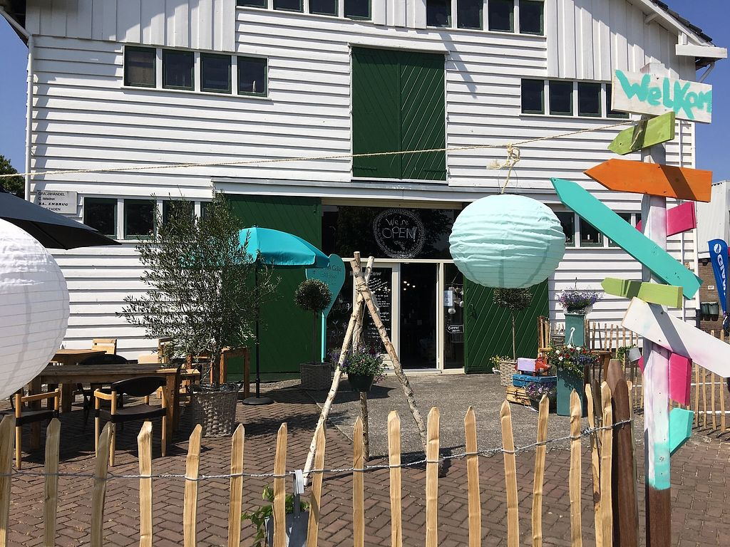 """Photo of CLOSED: Hartelijk Hoofddorp  by <a href=""""/members/profile/EllenRos68"""">EllenRos68</a> <br/>Concept Store with Healthy Vegan Foodcafe in an old grain warehouse near the Centre of Hoofddorp.  <br/> September 14, 2017  - <a href='/contact/abuse/image/100825/304427'>Report</a>"""