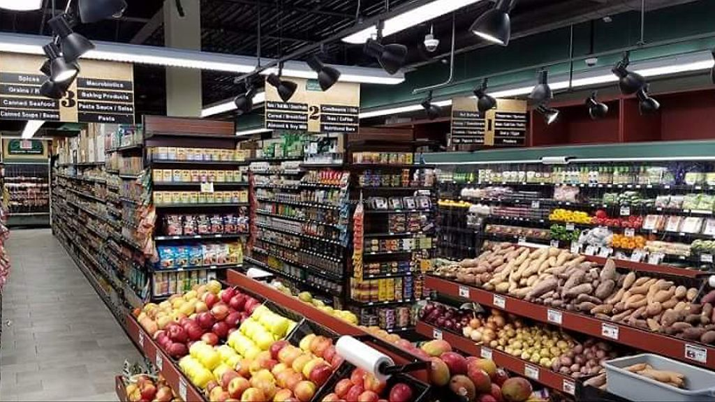 """Photo of Green Organic Market  by <a href=""""/members/profile/BriggitteJ"""">BriggitteJ</a> <br/>Store interior <br/> September 25, 2017  - <a href='/contact/abuse/image/100856/308249'>Report</a>"""