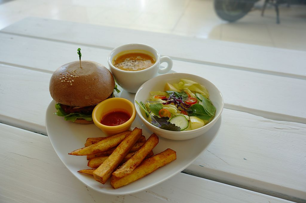 """Photo of Yummy Vegan Home - Ya Mi Rizi  by <a href=""""/members/profile/belingjiang"""">belingjiang</a> <br/>hamburger (With French fries or sweet potato fries)combo with soup and salad <br/> October 3, 2017  - <a href='/contact/abuse/image/100897/311363'>Report</a>"""