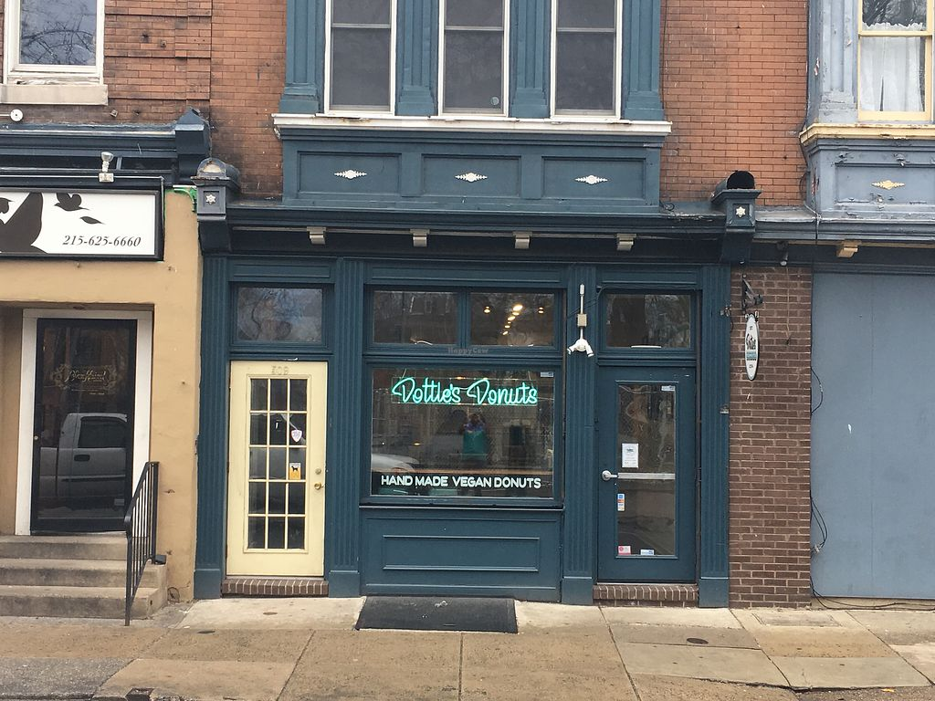 """Photo of Dottie's Donuts - Queen's Village  by <a href=""""/members/profile/770veg"""">770veg</a> <br/>Store front <br/> February 22, 2018  - <a href='/contact/abuse/image/100922/362449'>Report</a>"""