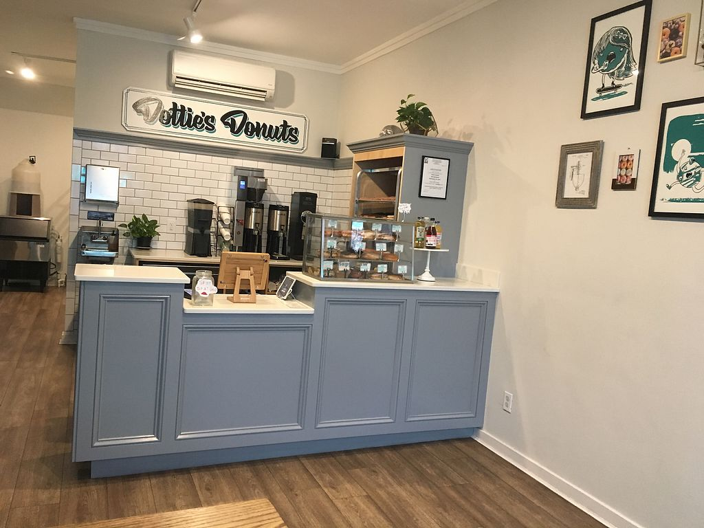 """Photo of Dottie's Donuts - Queen's Village  by <a href=""""/members/profile/770veg"""">770veg</a> <br/>Counter <br/> February 22, 2018  - <a href='/contact/abuse/image/100922/362468'>Report</a>"""
