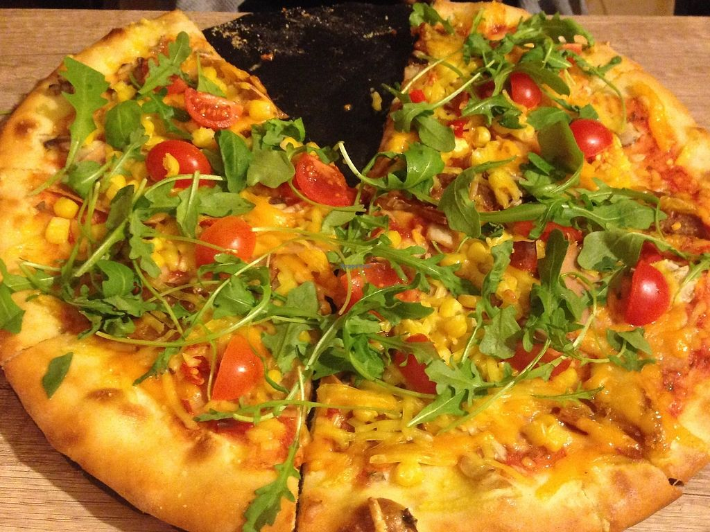 """Photo of Pizza Boss & Boss Burger  by <a href=""""/members/profile/MaylaNebesk%C3%A1"""">MaylaNebeská</a> <br/>Vegan happiness pizza with extra jalapenos <br/> January 1, 2018  - <a href='/contact/abuse/image/100930/341702'>Report</a>"""