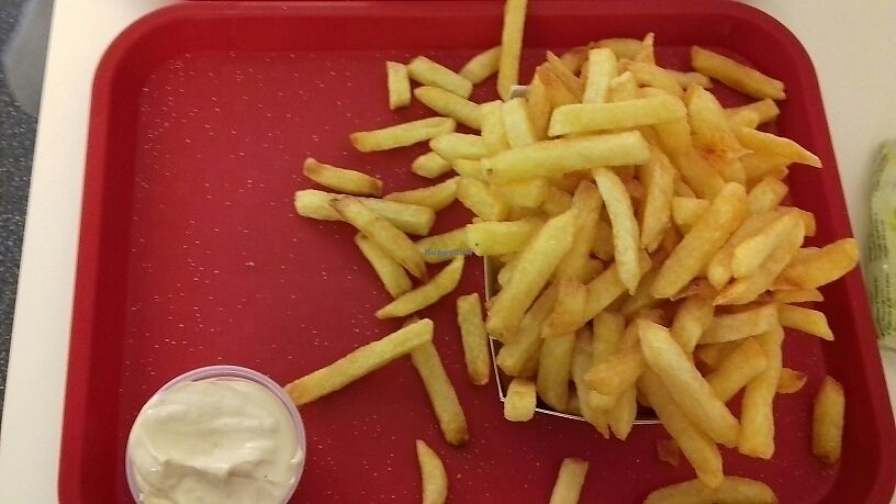 """Photo of Frituur Chips  by <a href=""""/members/profile/Makita"""">Makita</a> <br/>fries  <br/> September 15, 2017  - <a href='/contact/abuse/image/100970/304833'>Report</a>"""
