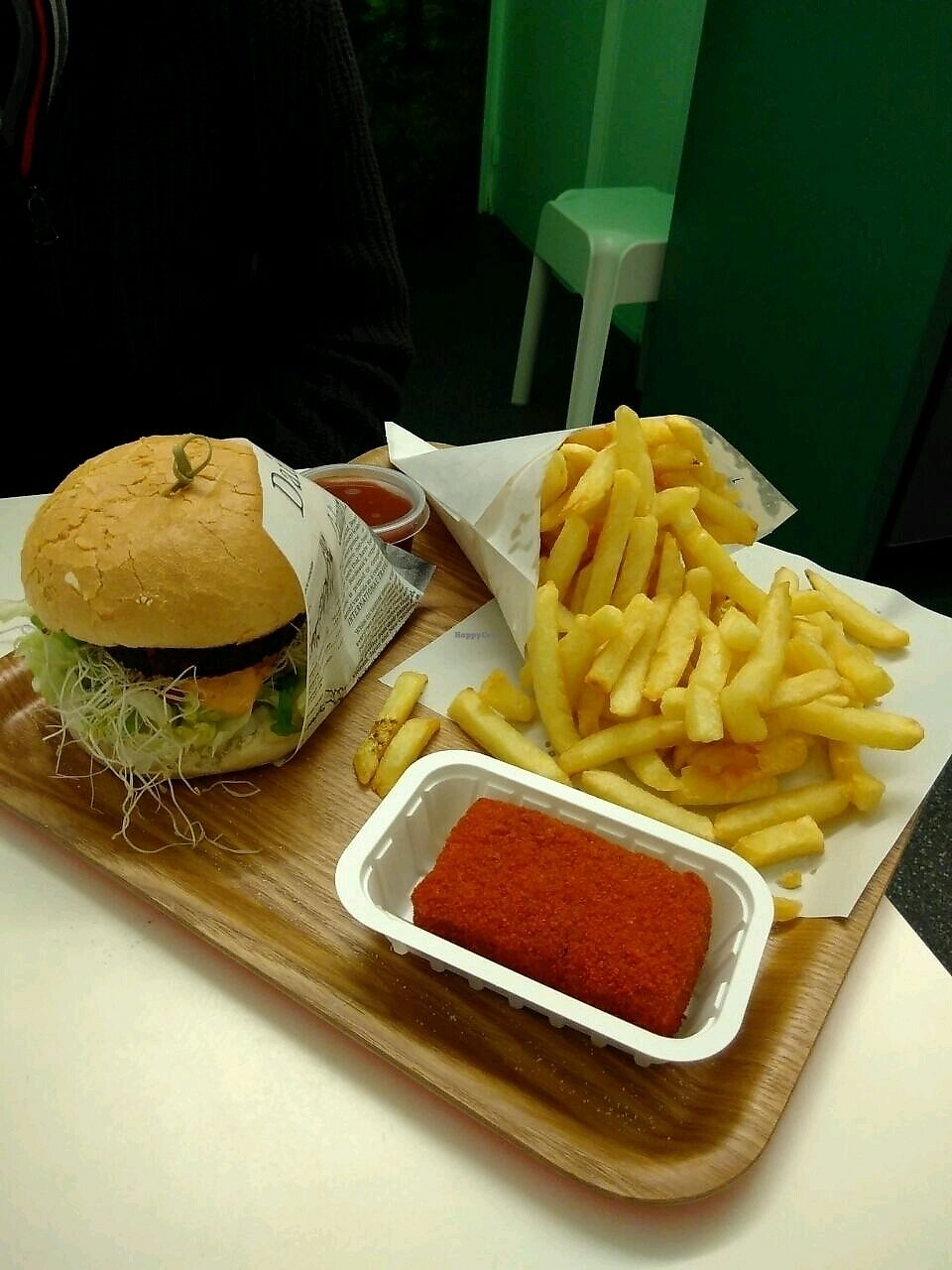 """Photo of Frituur Chips  by <a href=""""/members/profile/Nandi"""">Nandi</a> <br/>Vegan burger, mini fries and a bamihap <br/> November 10, 2017  - <a href='/contact/abuse/image/100970/323923'>Report</a>"""