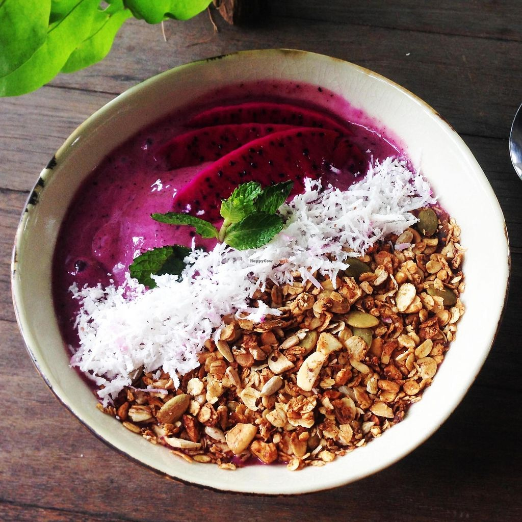 """Photo of The Factory Cafe  by <a href=""""/members/profile/AliceFerrer"""">AliceFerrer</a> <br/>Smoothie bowl <br/> September 15, 2017  - <a href='/contact/abuse/image/101030/304632'>Report</a>"""