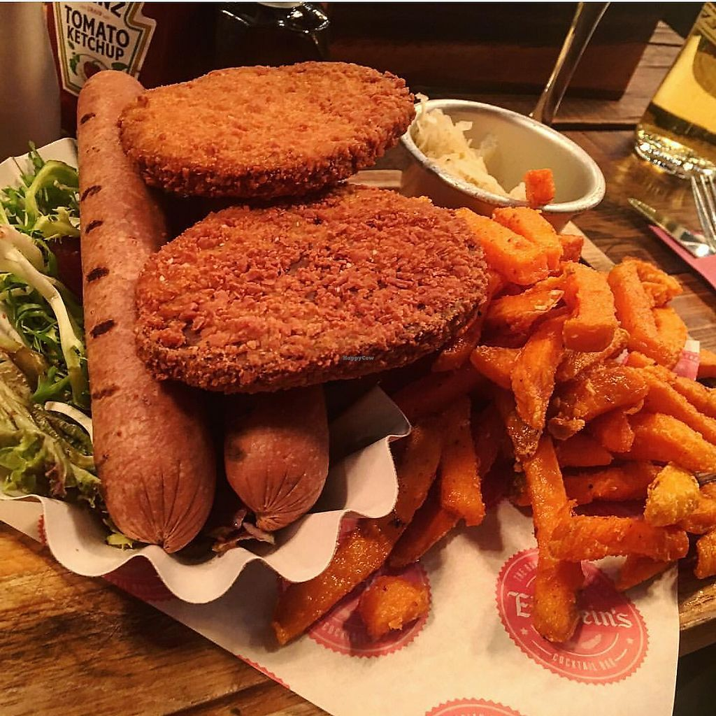 """Photo of Einstein's  by <a href=""""/members/profile/edajoir"""">edajoir</a> <br/>Vegan schnitzel  <br/> September 17, 2017  - <a href='/contact/abuse/image/101092/305506'>Report</a>"""