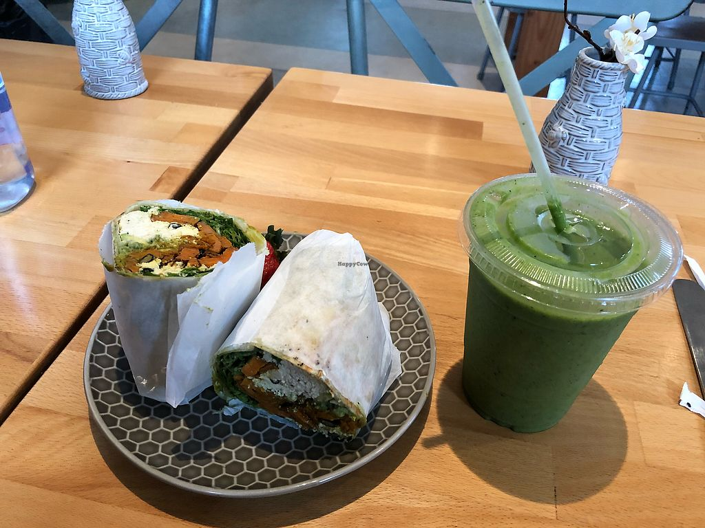 """Photo of The Honey B  by <a href=""""/members/profile/Priscikhalessi"""">Priscikhalessi</a> <br/>scrambled tofu burrito and the NATURAL smoothie <br/> January 5, 2018  - <a href='/contact/abuse/image/101142/343371'>Report</a>"""