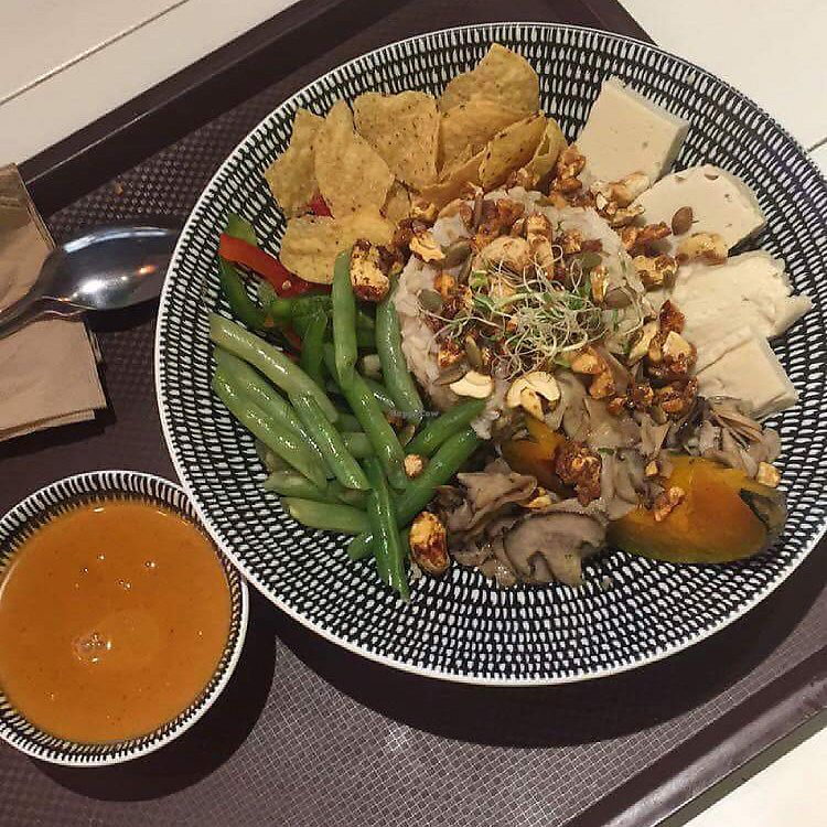 """Photo of La Juiceria Superfoods Xpress - Avenue K  by <a href=""""/members/profile/Alma_copenhagen"""">Alma_copenhagen</a> <br/>Vegan Buddha bowl with Thai style dressing! <br/> December 8, 2017  - <a href='/contact/abuse/image/101160/333288'>Report</a>"""