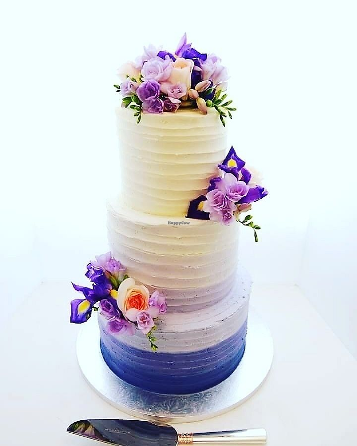 """Photo of Temptation Cakes  by <a href=""""/members/profile/TemptationCakes"""">TemptationCakes</a> <br/>Vegan Wedding Cake $650 includes fresh florals <br/> September 19, 2017  - <a href='/contact/abuse/image/101196/306101'>Report</a>"""