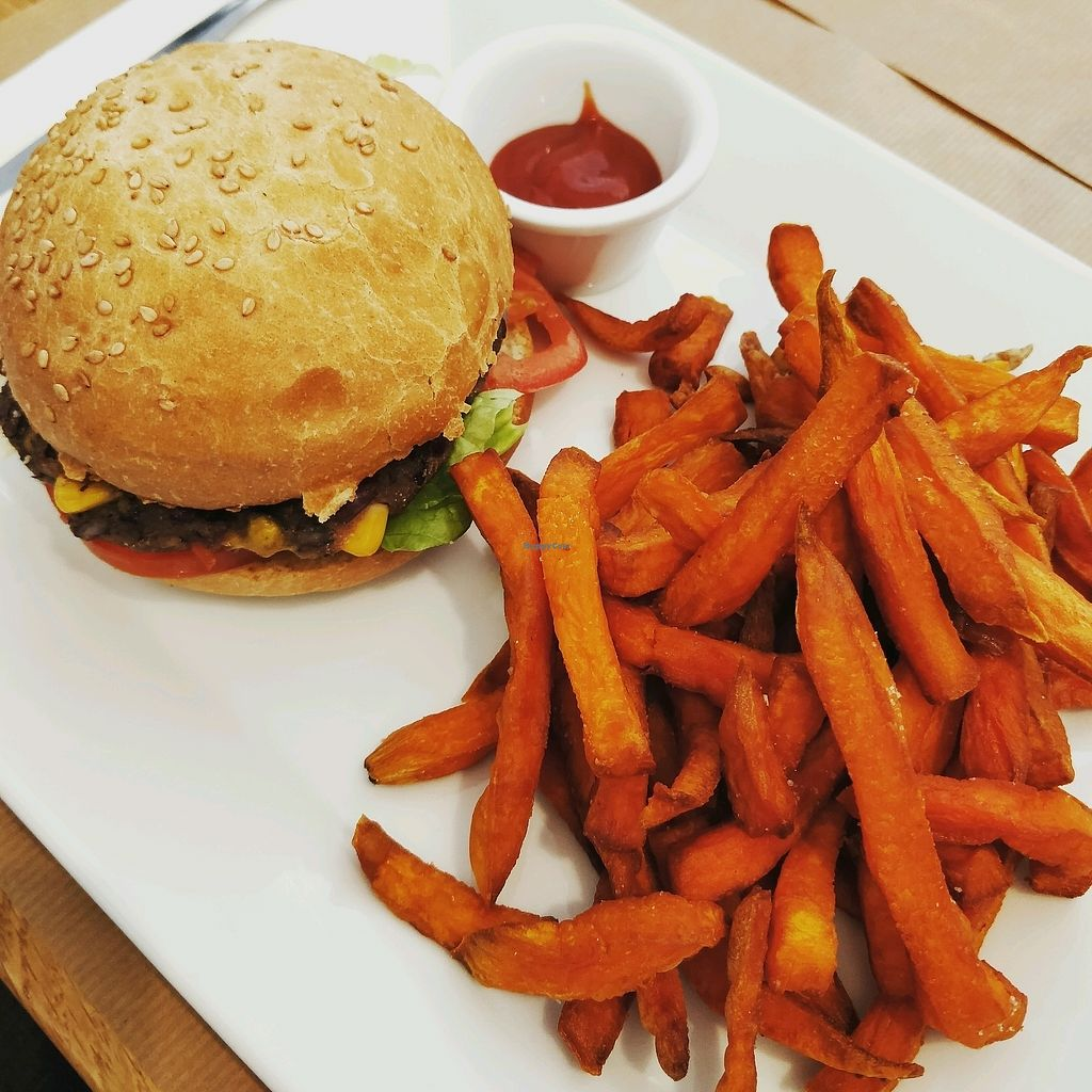 """Photo of The Green Burger Factory  by <a href=""""/members/profile/Logge"""">Logge</a> <br/>the classic with sweet potatoes fries <br/> April 18, 2018  - <a href='/contact/abuse/image/101201/387617'>Report</a>"""