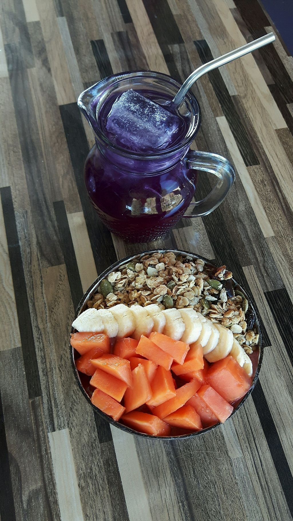 "Photo of Bom Bowls  by <a href=""/members/profile/CharityBosua"">CharityBosua</a> <br/>Acai bowl with extra fruit and butterfly pea cold tea  <br/> February 16, 2018  - <a href='/contact/abuse/image/101241/359947'>Report</a>"