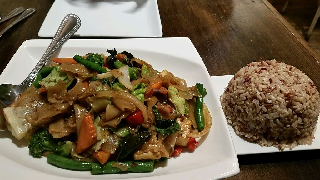 """Photo of Palm Thai Bistro  by <a href=""""/members/profile/Conniemm"""">Conniemm</a> <br/>drunken noodles with tofu <br/> September 20, 2017  - <a href='/contact/abuse/image/101347/306619'>Report</a>"""