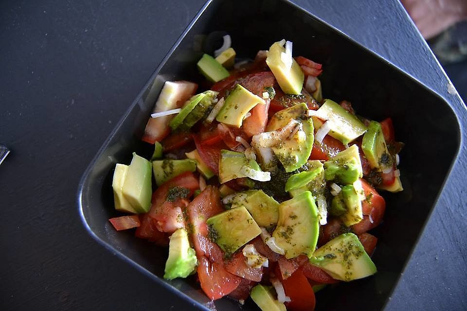 """Photo of PapaTots  by <a href=""""/members/profile/PapaTots"""">PapaTots</a> <br/>Fresca salad comes with tomato, avocado and green onion with a basil oil and balsamic vinegar <br/> October 21, 2017  - <a href='/contact/abuse/image/101575/317351'>Report</a>"""