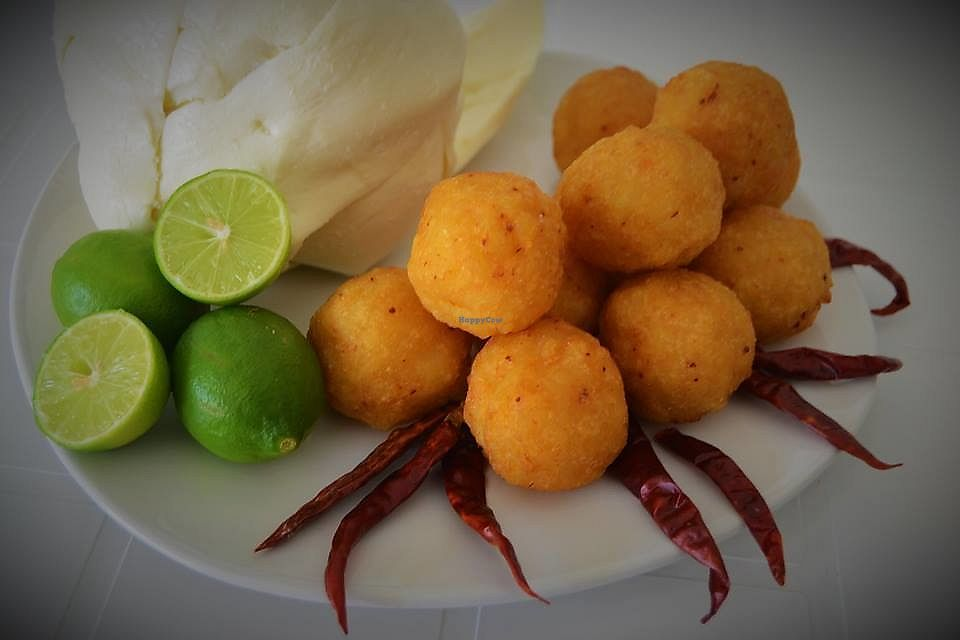 """Photo of PapaTots  by <a href=""""/members/profile/PapaTots"""">PapaTots</a> <br/>Mexican PapaTot comes with cheese, lime and chili flakes <br/> October 21, 2017  - <a href='/contact/abuse/image/101575/317352'>Report</a>"""