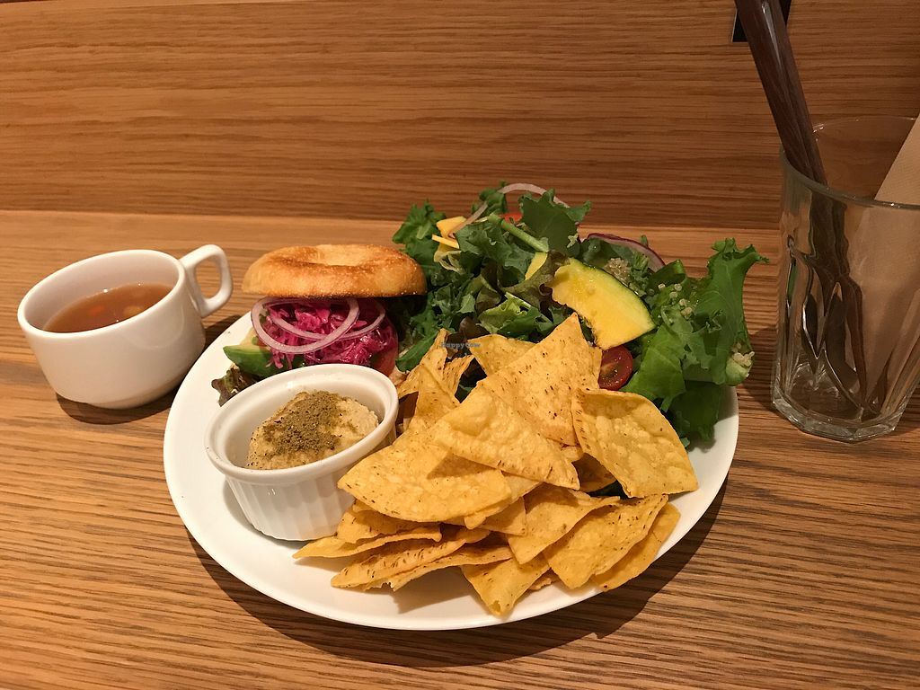 """Photo of Root Cafe  by <a href=""""/members/profile/Keito26"""">Keito26</a> <br/>Vegetable Bagel Set, """"Spice"""" Version (1200yen) <br/> September 30, 2017  - <a href='/contact/abuse/image/101675/310006'>Report</a>"""